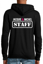 Veste à capuche Jacquie & Michel Staff : Veste à capuche noire J&M avec logo JACQUIE & MICHEL STAFF dans le dos et petit logo rond J&M sur le devant.